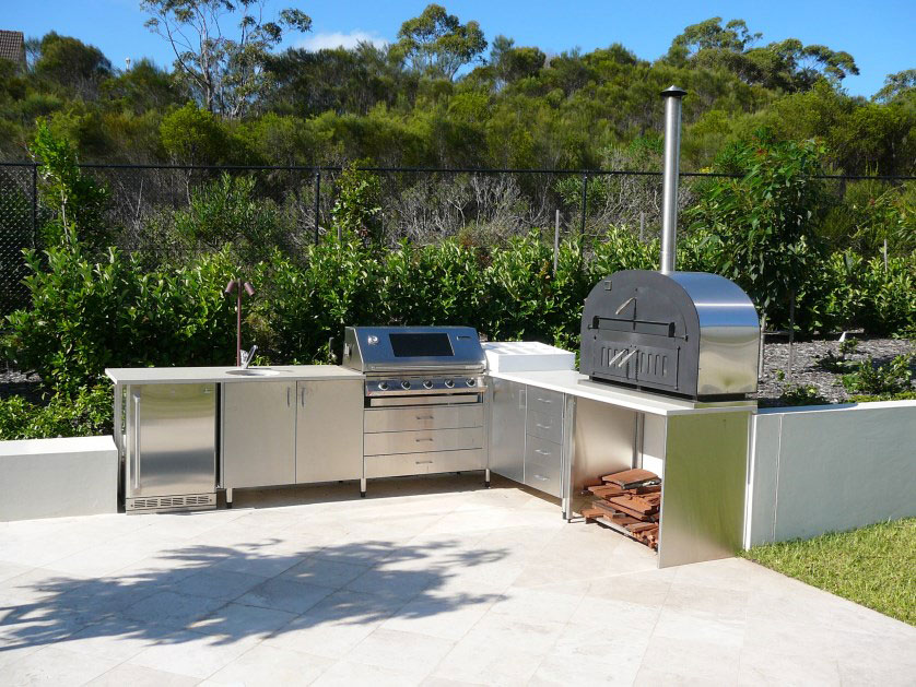 Outdoor kitchens for Outdoor kitchen equipment